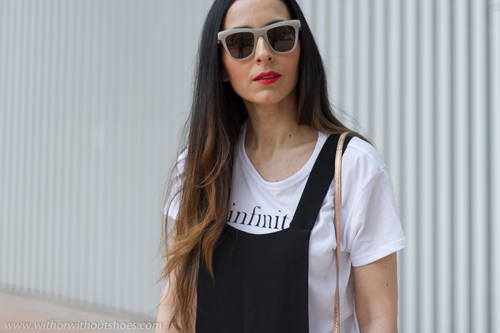 Blogger influencer con ideas de look con mono para vestir diario