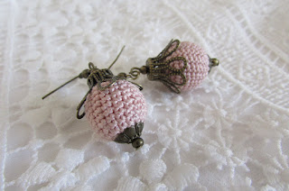 https://www.etsy.com/listing/527644787/dusty-pink-crochet-ball-earrings-bronze?ref=shop_home_active_10
