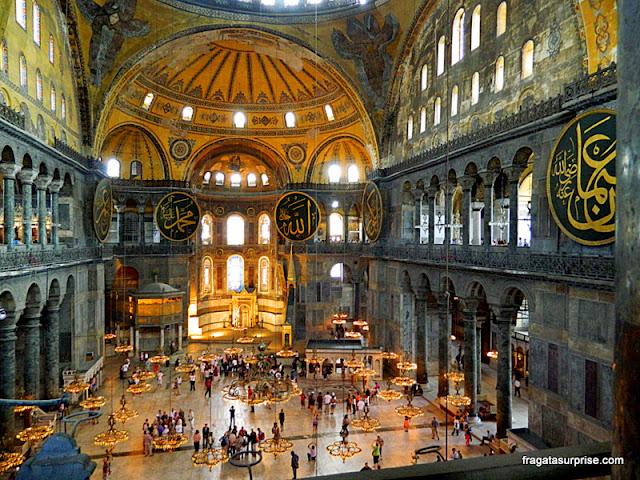 Salão principal da Basílica de Santa Sofia, em Istambul