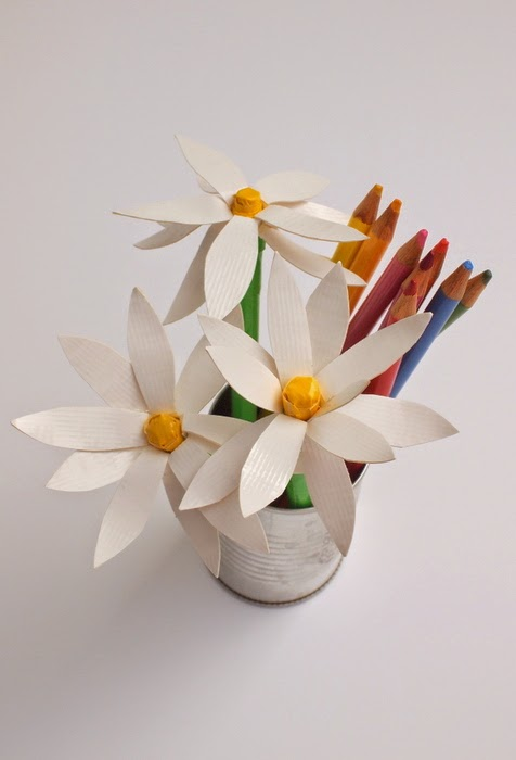 how to make duct tape daisy flower pens