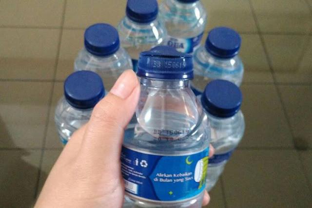 Heboh Video Viral Tutup Botol Aqua yang Mudah Terbelah, Netizen: Apakah Palsu?
