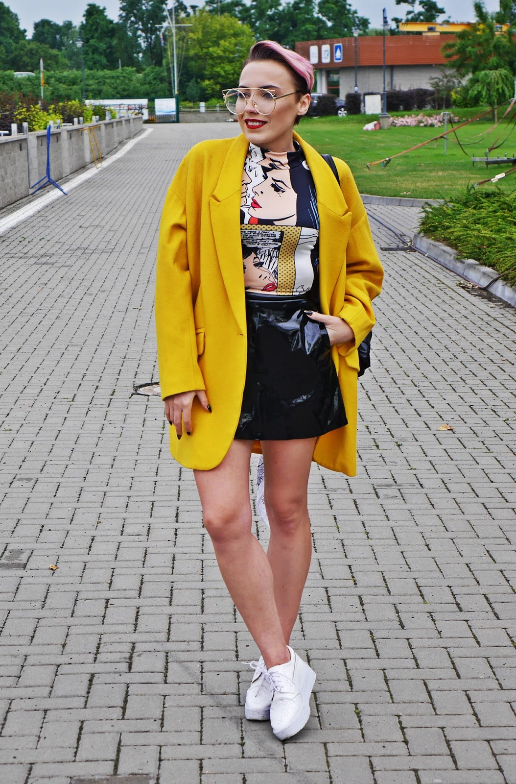 yellow_oversize_coat_jacket_black_skirt_platform_shoes_blog_modowy_karyn_060717af