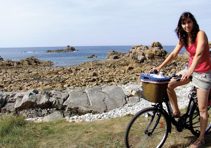 Eva Fortuny: con mi bici y el cesto de trapillo