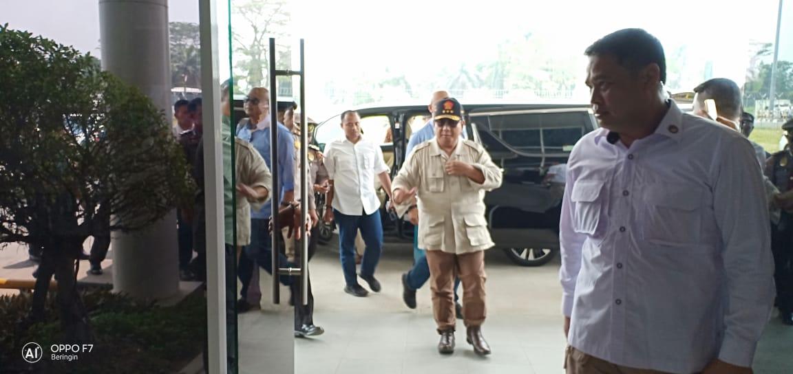 Usai Kunjungan di Medan dan Langkat, Prabowo Langsung Balik ke Jakarta Naik Pesawat Pribadi