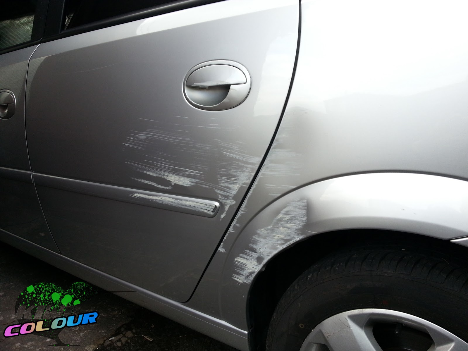 vauxhall zafira dent and scratch damage repaired at the customers location  in Harrogate today