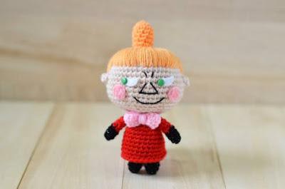 Вязаная кукла малышка Мю