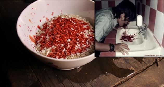 KISAH BENAR! 'TERGAMAK KAU ! Patutlah Bila Aku Makan Nasi, Dia Tak Makan Nasi Yang Sama!'