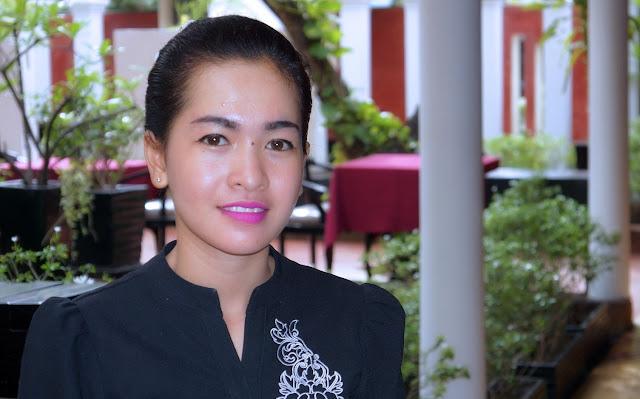 Sok Dany, 19 ans, aide au service, originaire de Phnom Penh, travaille au Malis depuis cinq mois