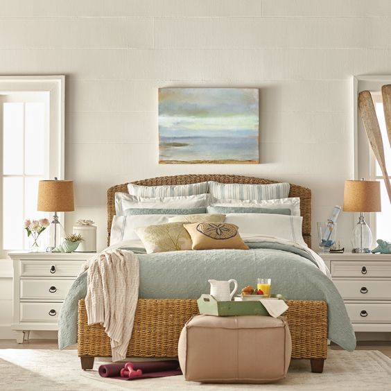 Beach Home Decor Ideas: Sunny & Calm Beach Bedroom