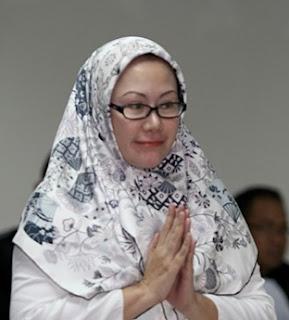 model jilbab gubernur benten ratu atut chosiyah