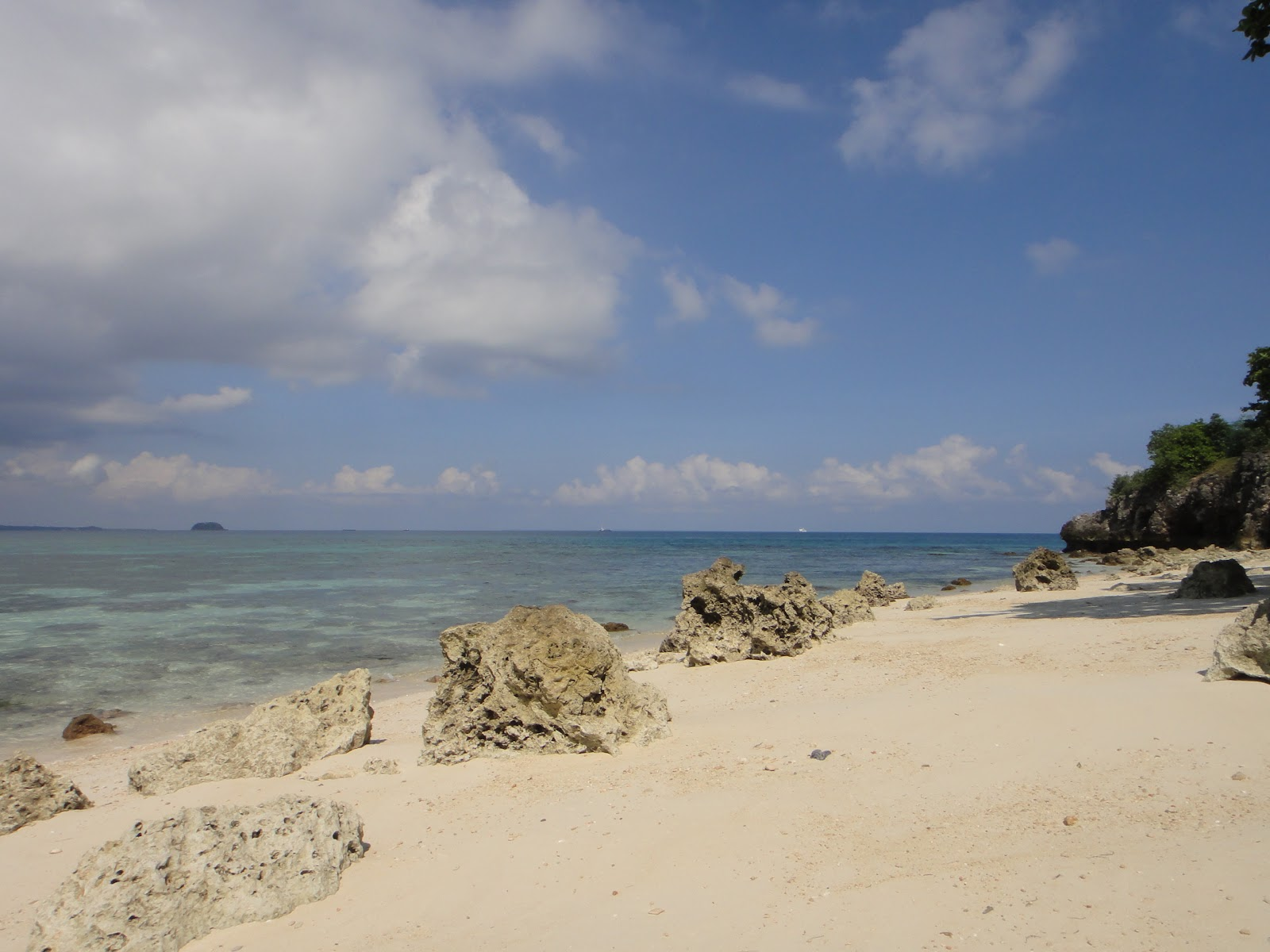 マラパスクア島の海岸