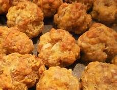SAUSAGE BALLS WITH ONION AND CELERY