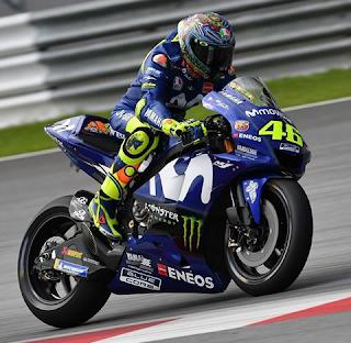 Koleksi Foto Valentino Rossi di Atas Motor Yamaha YZR-M1 2018