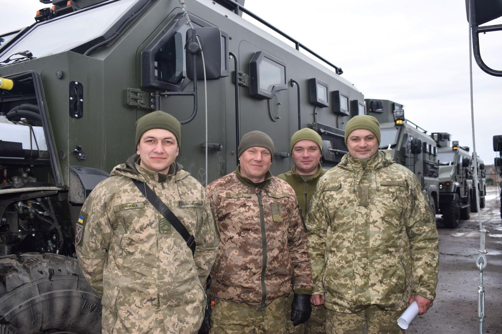 У війська передана партія бронеавтомобілів Варта
