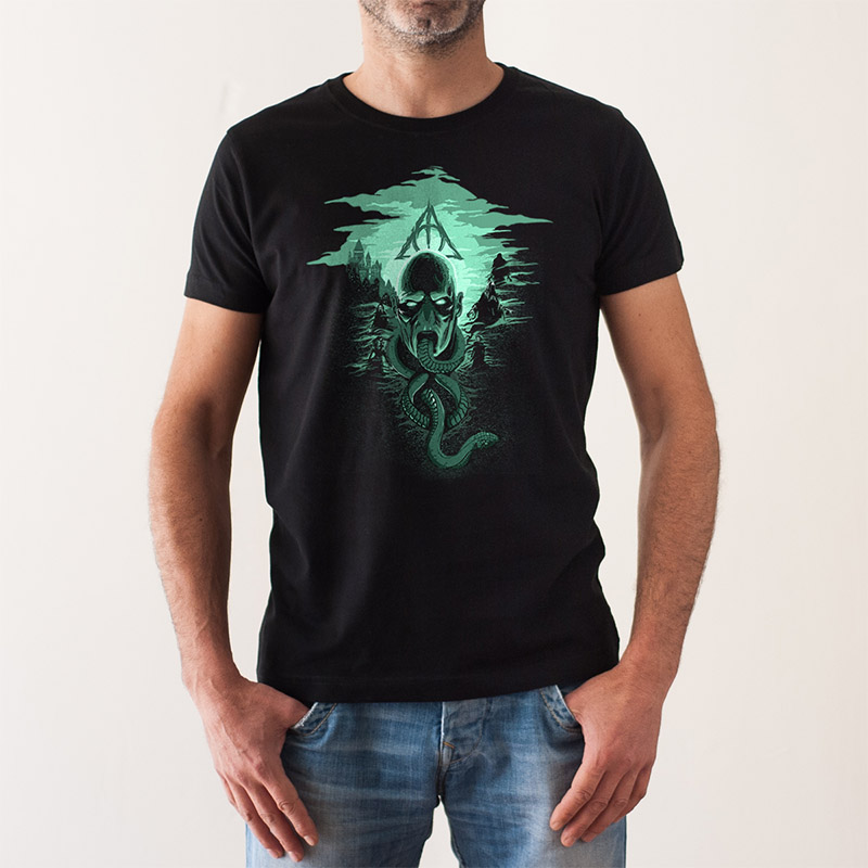 http://www.lolacamisetas.com/es/producto/673/camiseta-harry-potters-nightmare