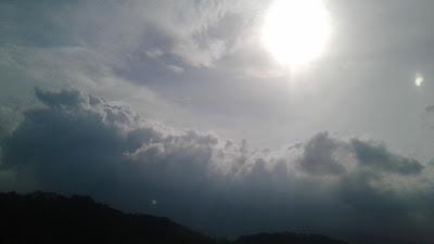 +Gambar foto mega di langit sore hari yang indah dan menarik