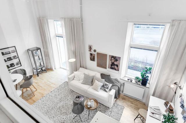 Amenajare monocromatică și dormitor la înălțime într-o garsonieră de 48 m²