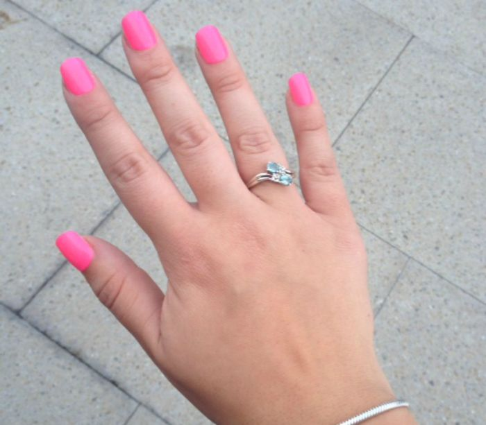 Elegant Touch Pink Express Nails
