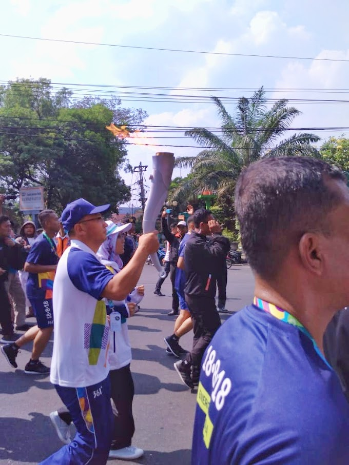 Semangat Solo Sambut Torch Relay Asian Games 2018