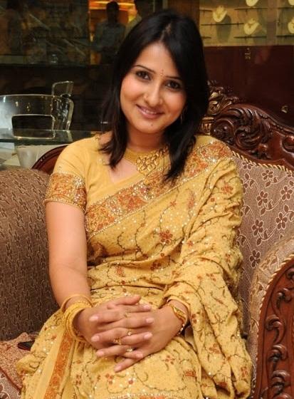 Serial Actress Sirisha Family Pics - magazineslivin