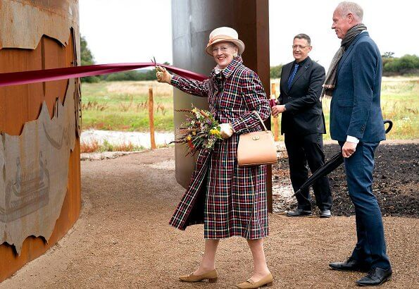 Queen Margerthe opened the Trundholm Sun Chariot (Solvognens Fundsted) in Geopark Odsherred. Nordic Bronze Age