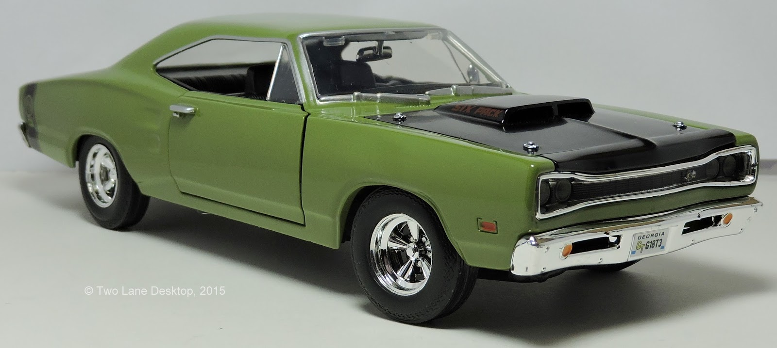 MOPAR mania, part 1: Motormax 1:24 1969 Dodge Coronet SuperBee | Two