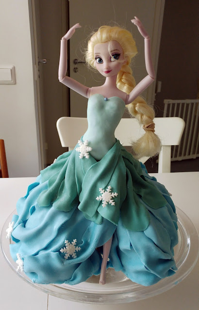 frozen elsa nukke kakku