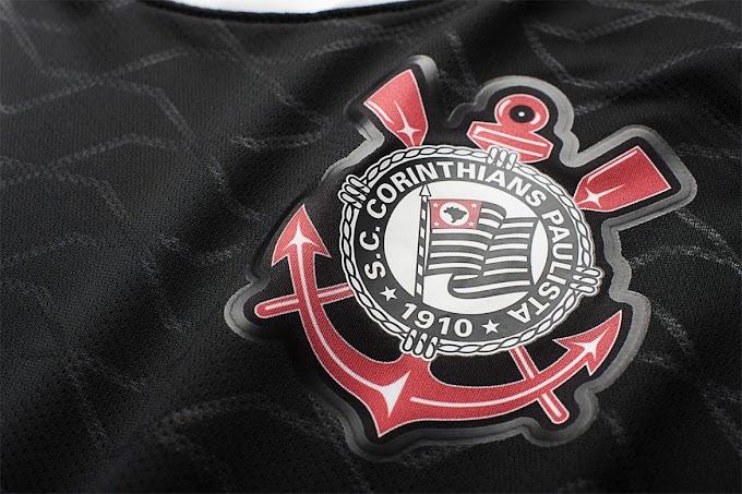 Camisa 3 do Corinthians e jaqueta inspirada no PSG vazam na internet; veja fotos