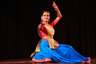 Mrinalini performed to one of her Guru's strong narratives on retracing  Ramayana mythology along with the abhinaya sequences