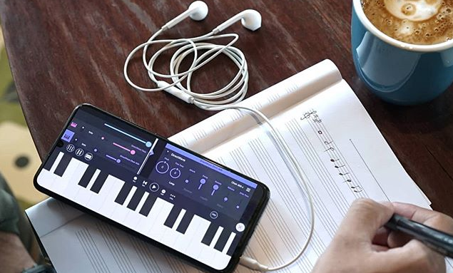 Manfaat Mendengarkan Musik Saat Kerja yang Tak Diketahui Banyak Orang