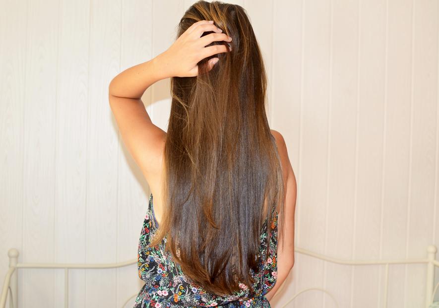 pielęgnacja włosów kosmetykami fryzjerskimi