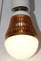 Ako ušetriť peniaze na osvetlení. LED žiarovka