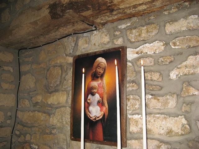 N. D. du Yaudet, Chapelle de la vierge couchee