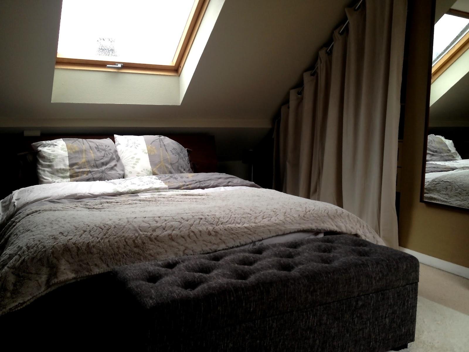 mezzanine chambre sous pente. Black Bedroom Furniture Sets. Home Design Ideas