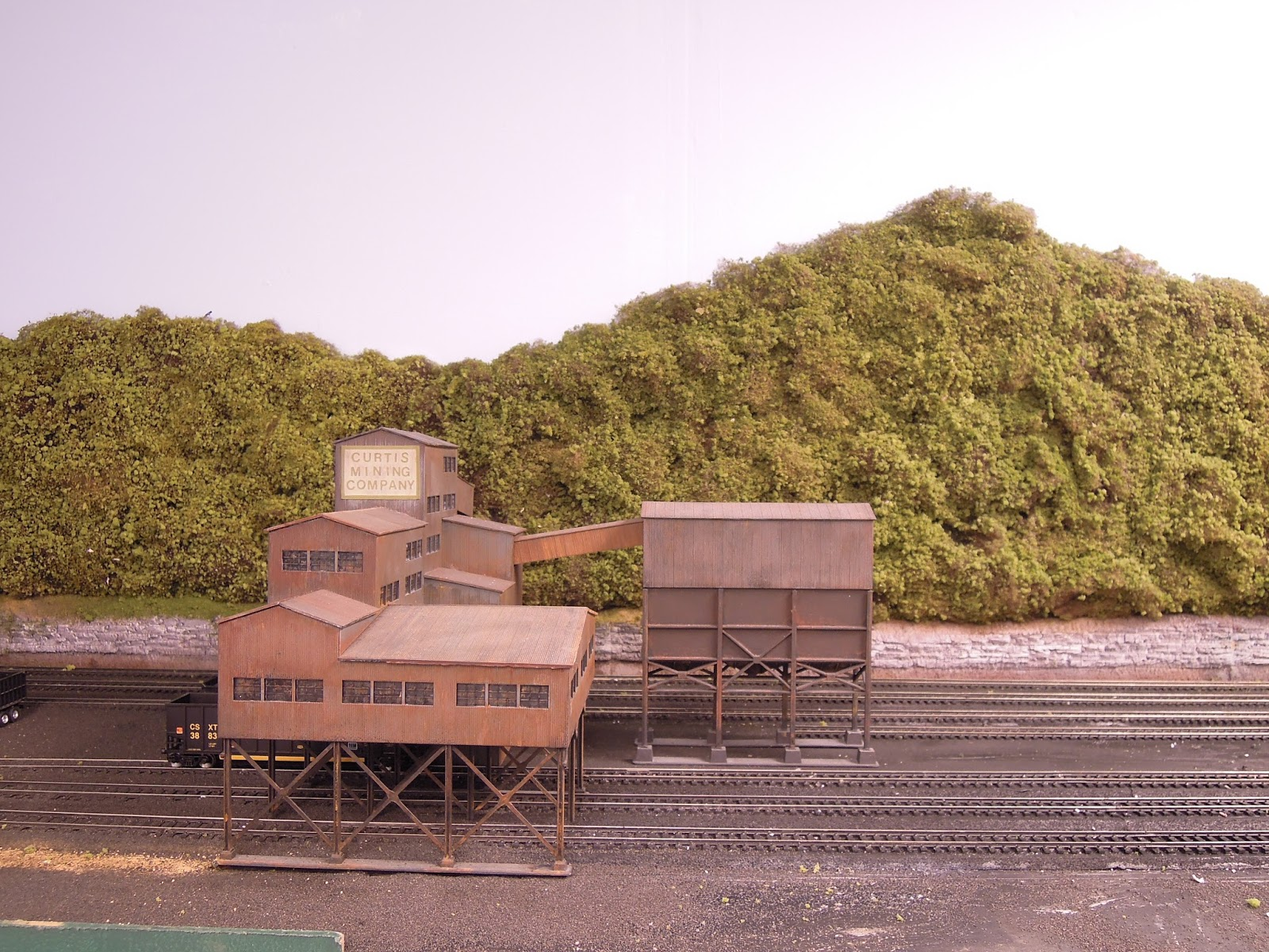 Paducah & Lake Erie Model Railroad: Coal Tipple and Forest