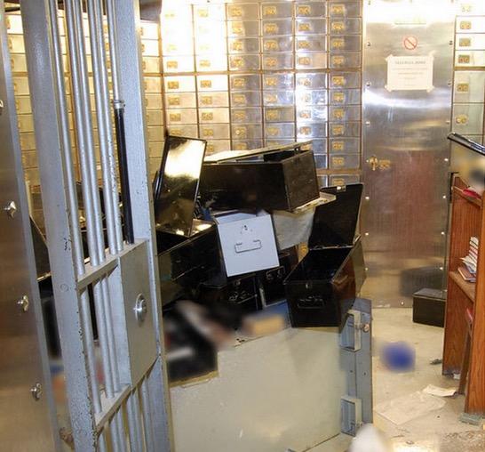 Cara Perompak Pecah Masuk Bilik Kebal Peti Deposit Bank
