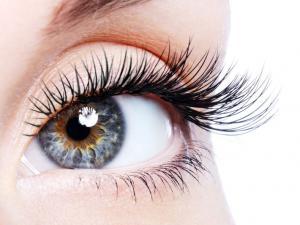 Comment faire pousser les cils et sourcils naturellement? La recette miracle pour faire pousser les cils et sourcils