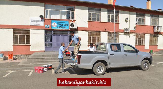 Diyarbakır Büyükşehir Belediyesi, okullara 27 ton boya dağıtacak
