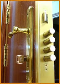 ¿Cerradura atascada? Contacte con nuestros cerrajeros