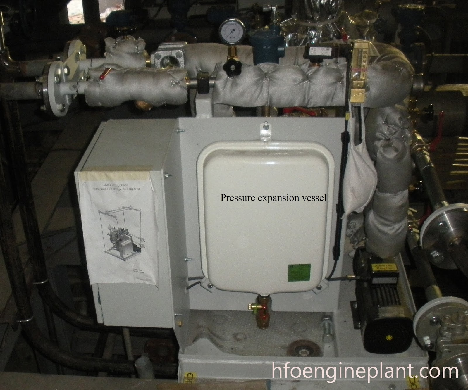 Fuel injection nozzle cooling unit-Pressure vessel