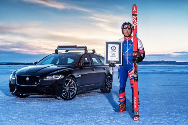 Esquiador bate recorde mundial puxado por Jaguar