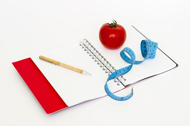 Wer abnehmen ohne Jojo-Effekt  will, der sollte Buch über die Ernährung führen und ein Ernährungstagebuch anlegen