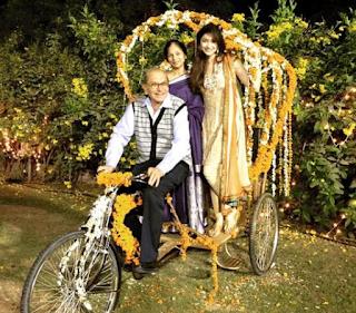 Foto Tanvi Vyas dengan Orangtuanya