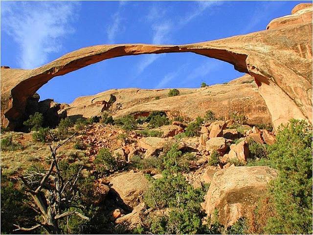 rocas con formas extra u00f1as y extraordinarias  u2013 rinc u00f3n abstracto