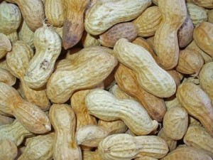Top Benefits of Eating Peanuts for Skin, Hair and Health
