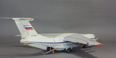 Ilyushin Il-76 picture 2