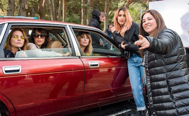 Gabriela Tagliavini con Blanca Suárez, Amaia Salamanca, Macarena García y Belén Cuesta en 'A pesar de todo'