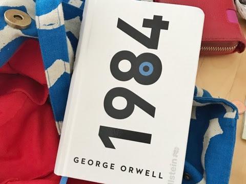 Buch in der Tasche