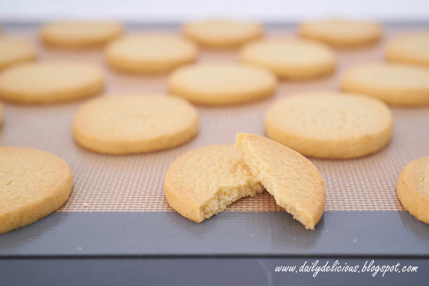 dailydelicious: Almond Butter Cookies