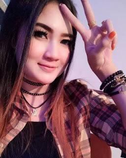 Lirik Lagu Aku Mung Pelampiasan - Nella Kharisma dari album Live Show Jitunada, download album dan video mp3 terbaru 2018 gratis